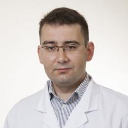 Работать начинает гинеколог, специалист-акушер Юрий Лапидус